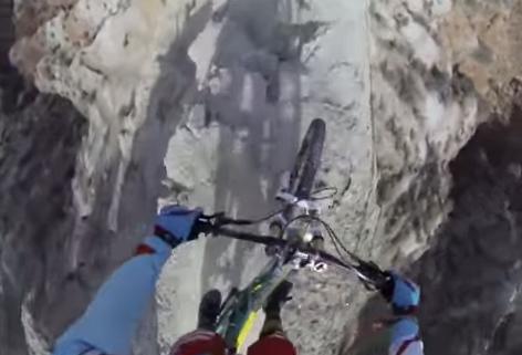 descenso-bicicleta-acantilado