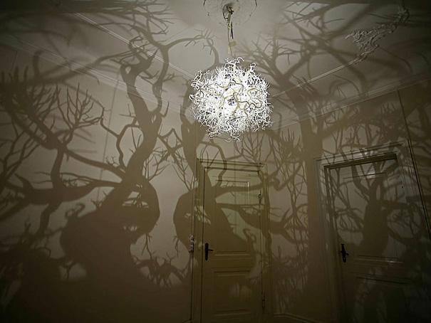 Lámpara sombras de árboles