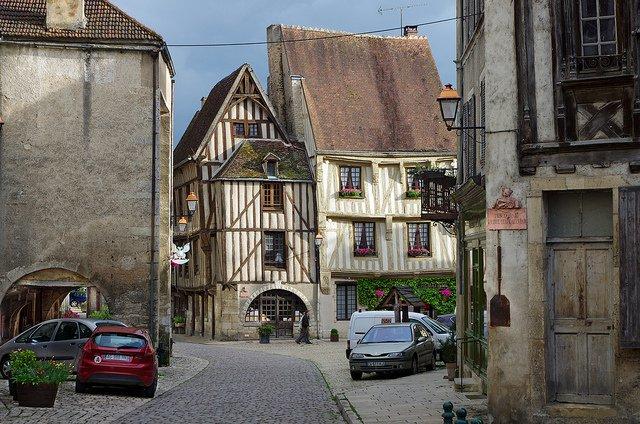 Noyers-sur-Serein, Francia