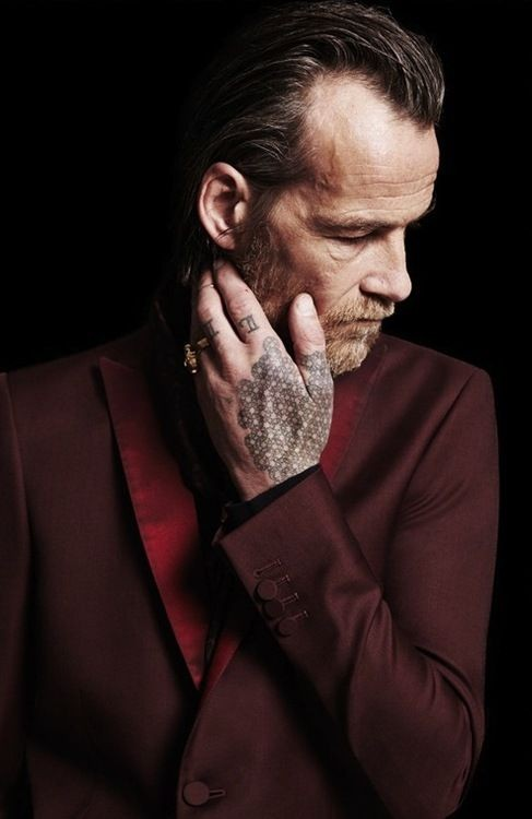Profesionales con tatuajes 17