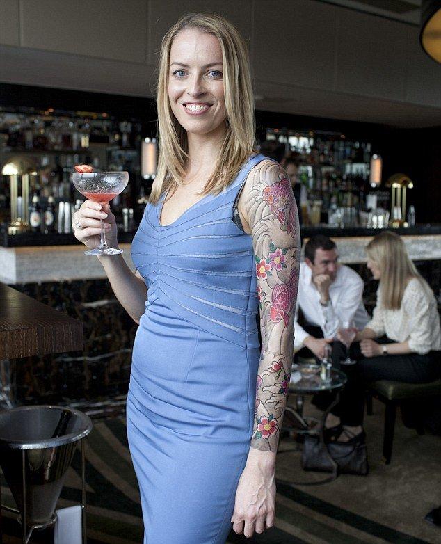 Profesionales con tatuajes 24