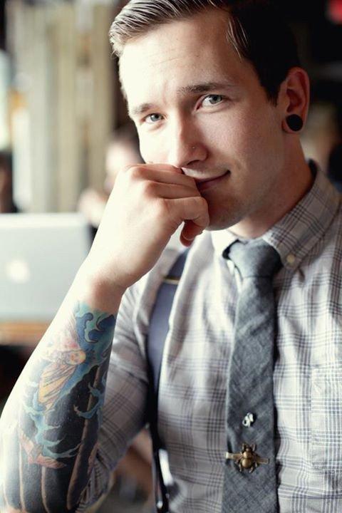 Profesionales con tatuajes 9