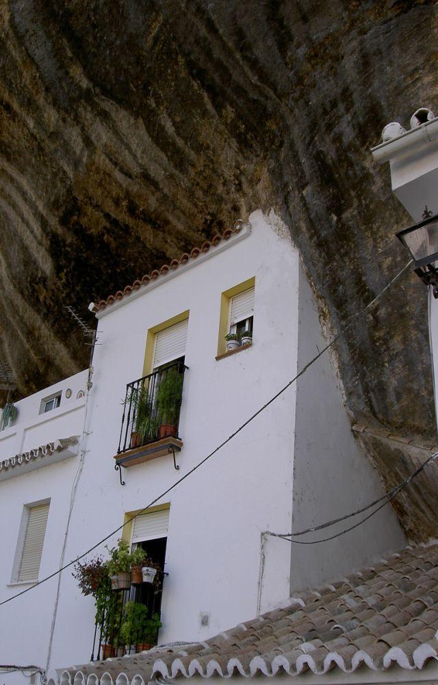 roca-setenil-de-las-bodegas-4