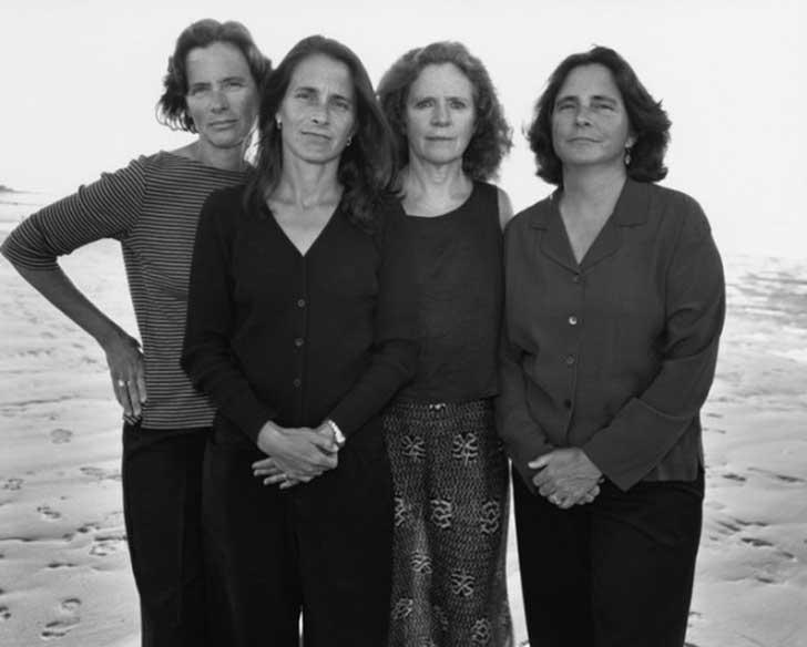 2001fotografia hermanas