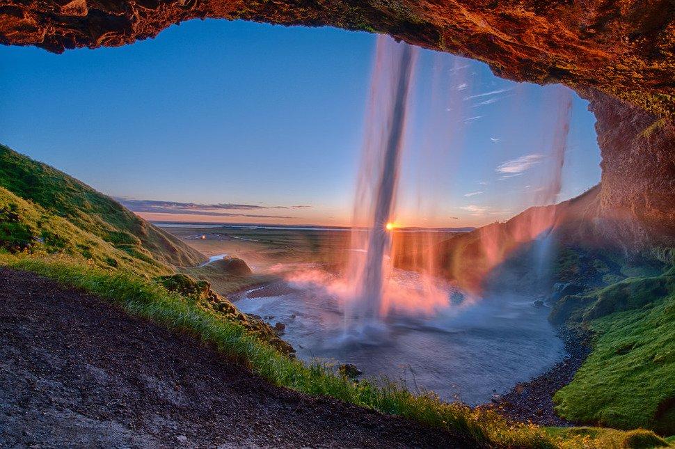 6.-Seljalandsfoss-waterfall