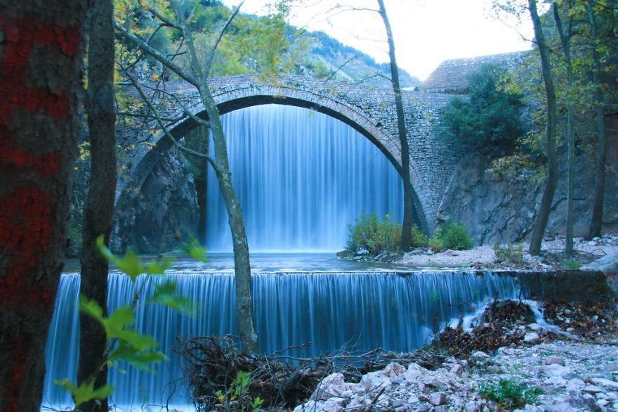 bridge-of-Palaiokaria-2__880