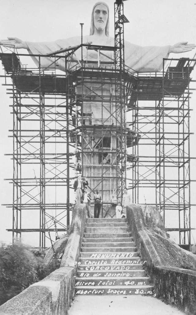 monumentos famosos en construccion 10