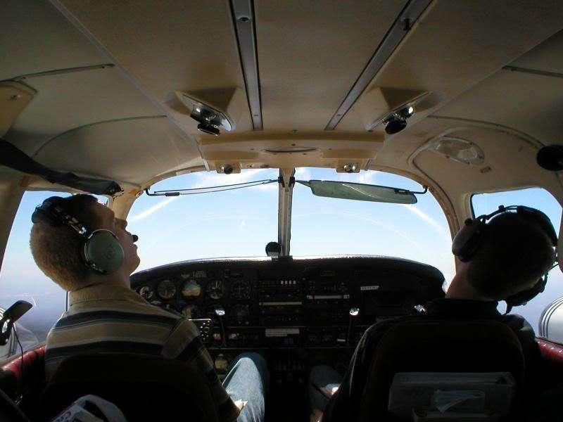 Datos sobre vuelos comerciales 12