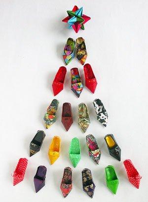 arbol de navidad con zapatos