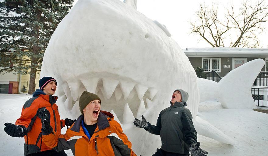 esculturas de nive gigantes 3