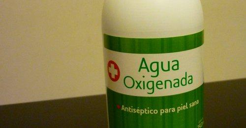para que sirve el agua oxigenada en las heridas