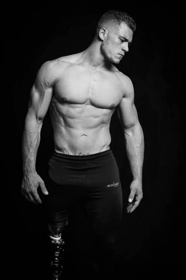 modelo masculino amputado4