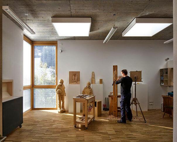 esculturas de madera realistas 13