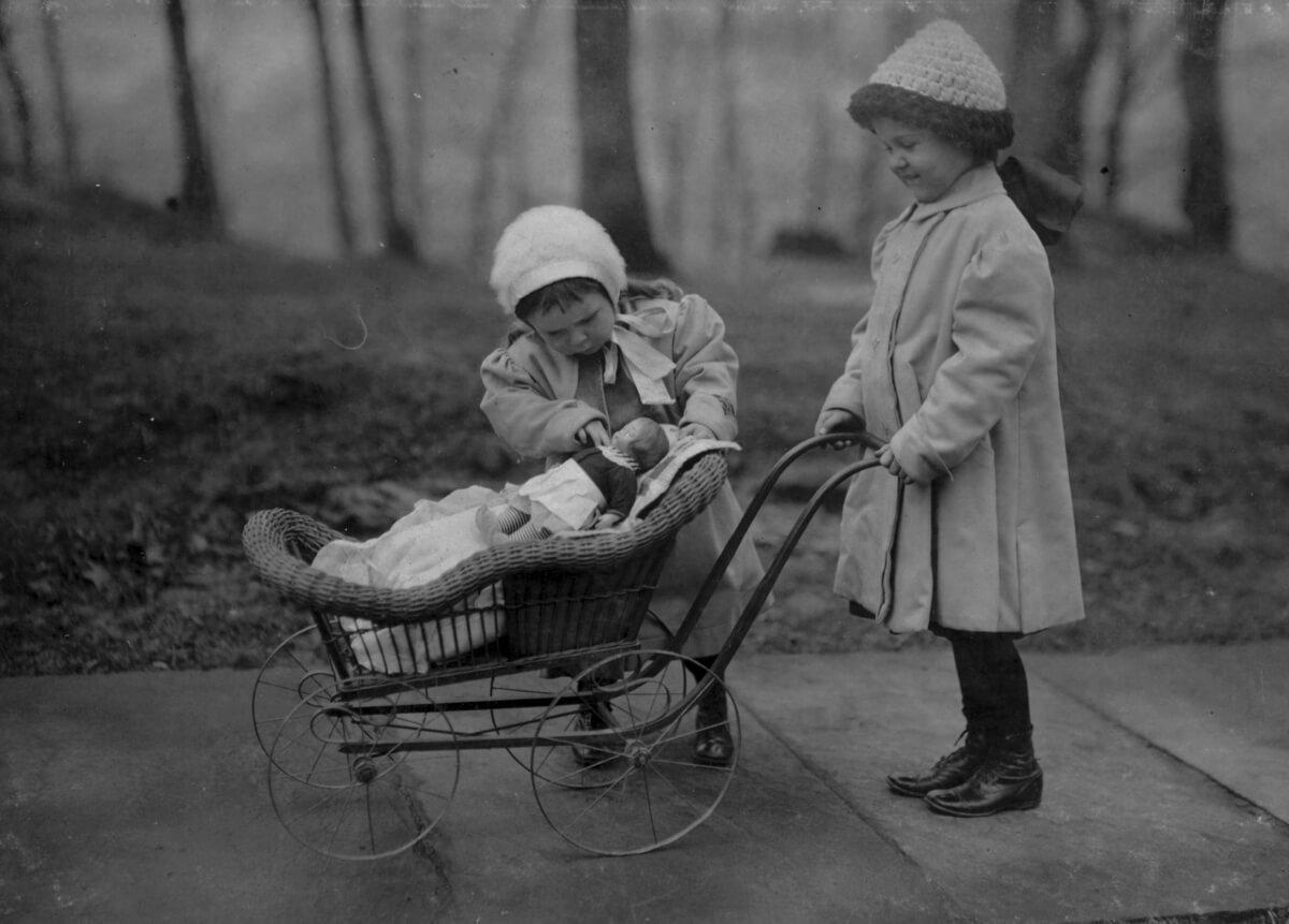 Fotografías de como jugaban los niños de antes