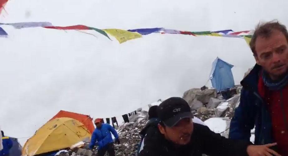 asi-se-vivio-el-terremoto-de-nepal-desde-el-everest