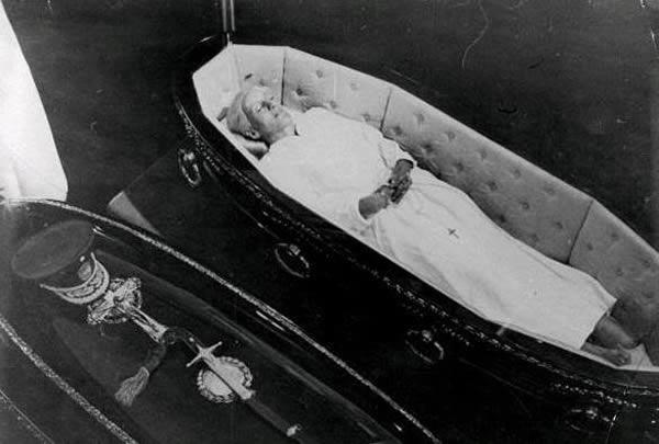 entierros famosos 1