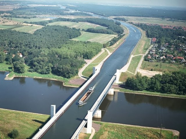 Magdeburg-Water-Bridge-0[6]