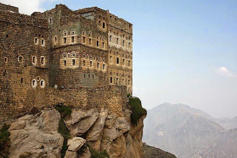 al hajjarah yemen pueblo edificios (10)