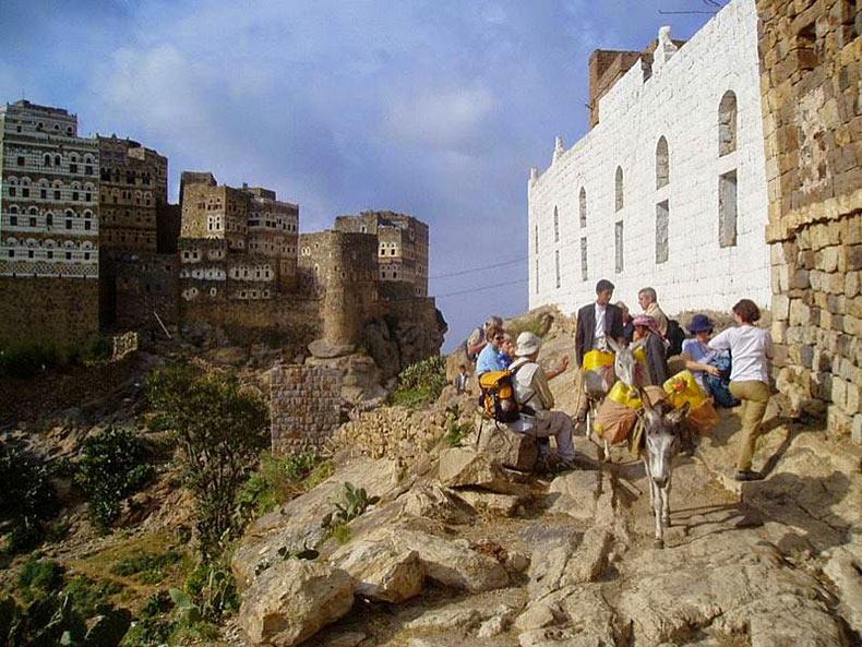 al hajjarah yemen pueblo edificios (12)