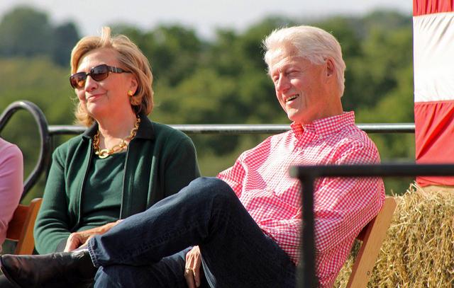 bill-clinton-hillary-clinton-ganan-250000-dolares-por-charla