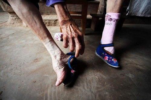 vendado de pies china 14