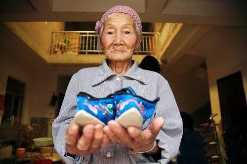 vendado de pies china 18