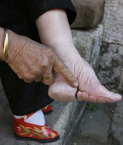 vendado de pies china 7