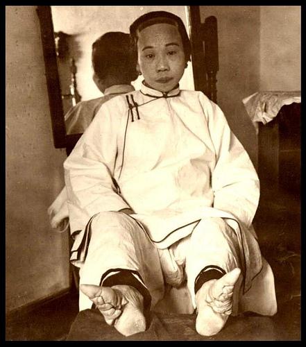 vendado de pies china 9