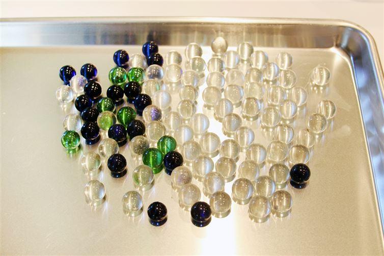 Colgantes de canicas decorado con fractales