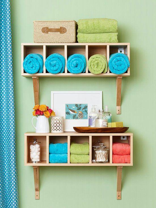 organizar toallas en estanterias