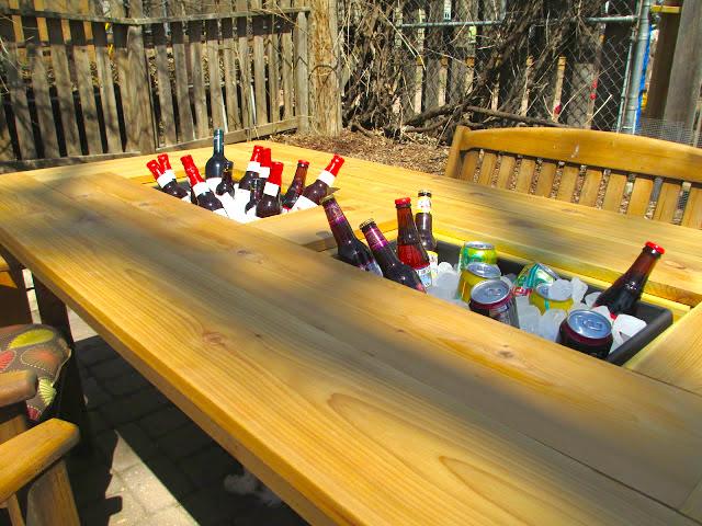 mesa de jardin con cubitera 17