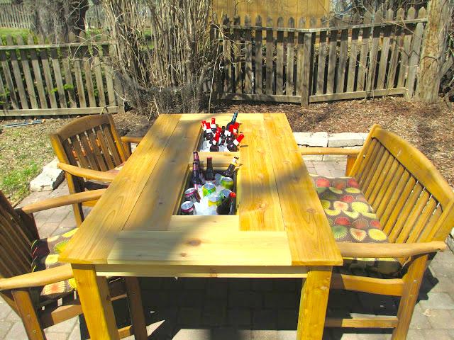 mesa de jardin con cubitera 18