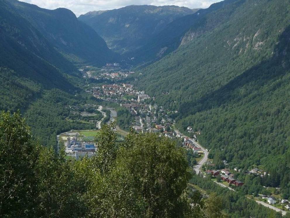 Rjukan el pueblo noruego que se pasa sumido en la oscuridad 6 meses al año 1