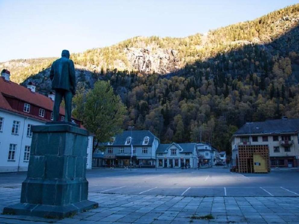 Rjukan el pueblo noruego que se pasa sumido en la oscuridad 6 meses al año 2