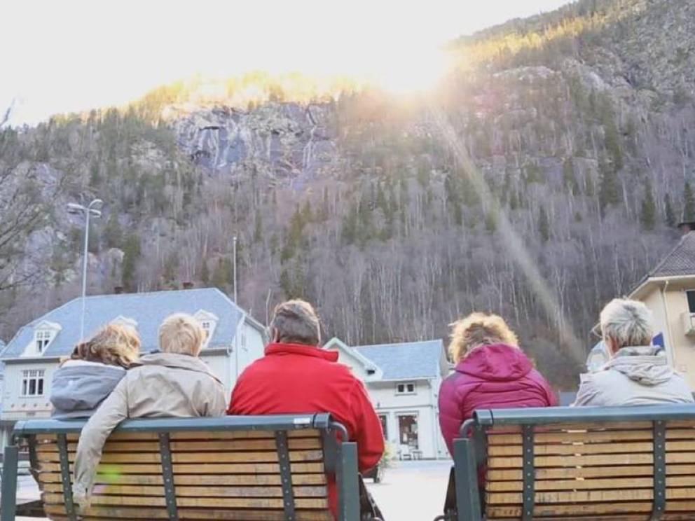Rjukan el pueblo noruego que se pasa sumido en la oscuridad 6 meses al año 6