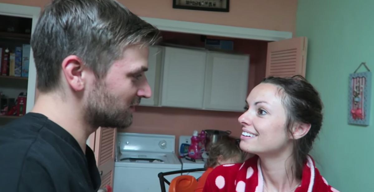 anuncia embarazo a su mujer