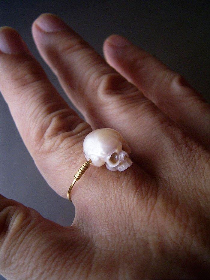 calavera de perla 10