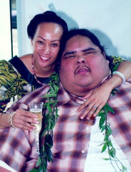 Aquí tenemos a la feliz pareja, Iz y Marlene