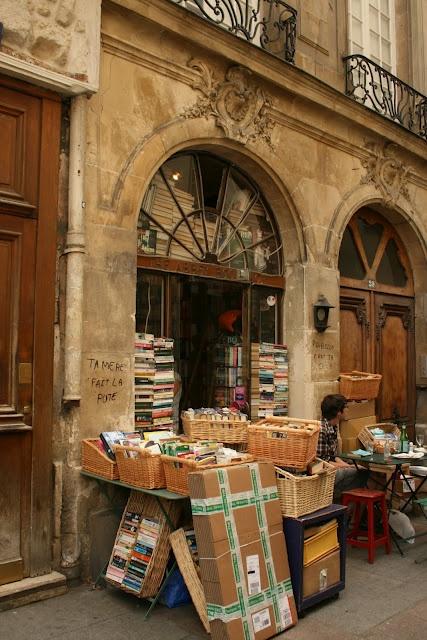 las bibliotecas mas bonitas y magicas del mundo 36