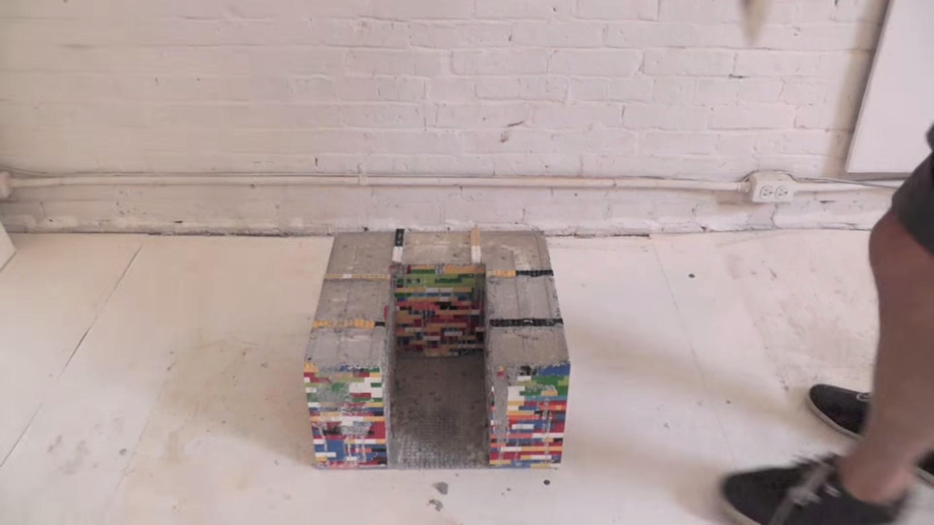 mesa lego y cemento 8