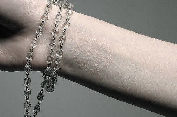 tatuajes_tinta_blanca_11