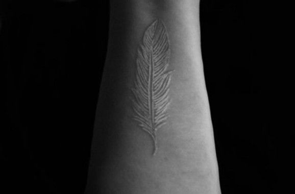 tatuajes_tinta_blanca_7