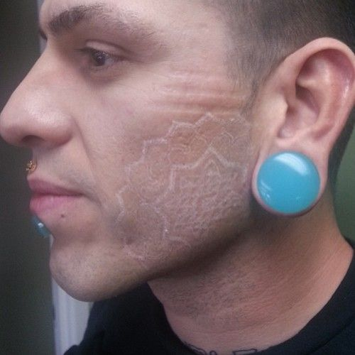 tatuajes_tinta_blanca_8