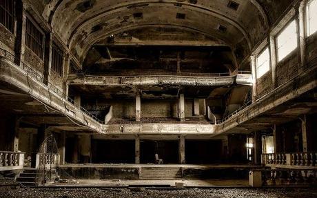 arquitecturas-olvidadas-el-teatro-cine-varia-L-4lLLMn