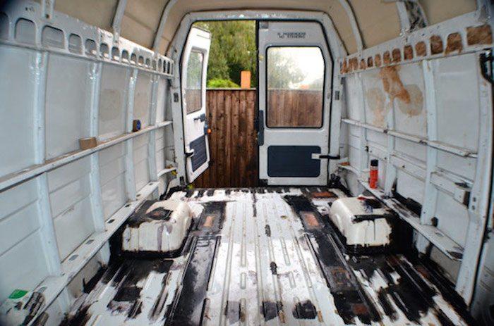 como convertir una vieja furgoneta en una caravana casa con ruedas 2