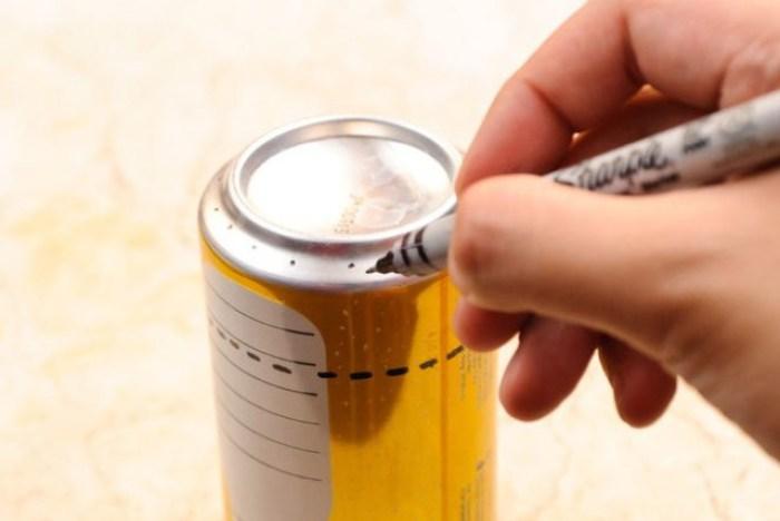 minicocina con 2 latas de refresco y alcohol 3