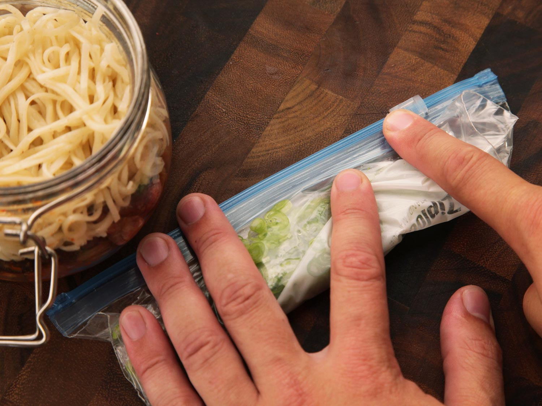 como hacer tus porpios botes de fideos japoneses y ramen instantaneo caseros 13