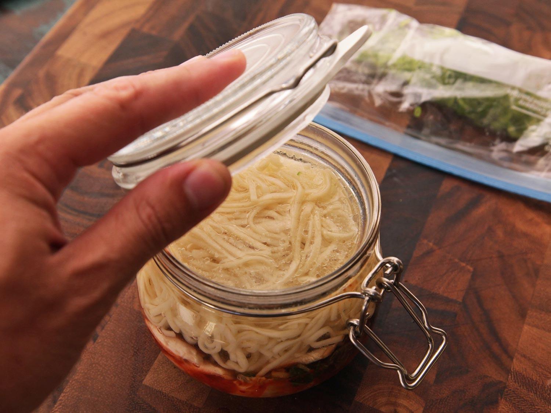 como hacer tus porpios botes de fideos japoneses y ramen instantaneo caseros 17
