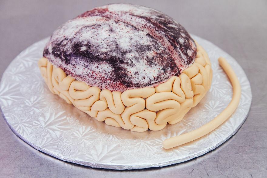 como hacer un pastel de cerebro para halloween 3