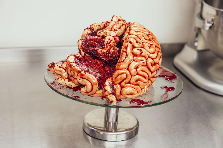 como hacer un pastel de cerebro para halloween 8